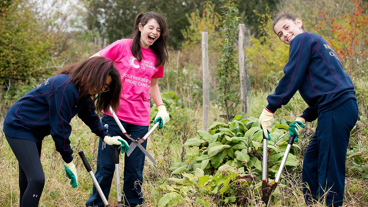 Make-A-Difference-Day-Pupils-Gardening.jpg