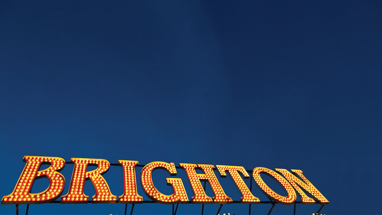 Brighton-College-pier-sign-.jpg