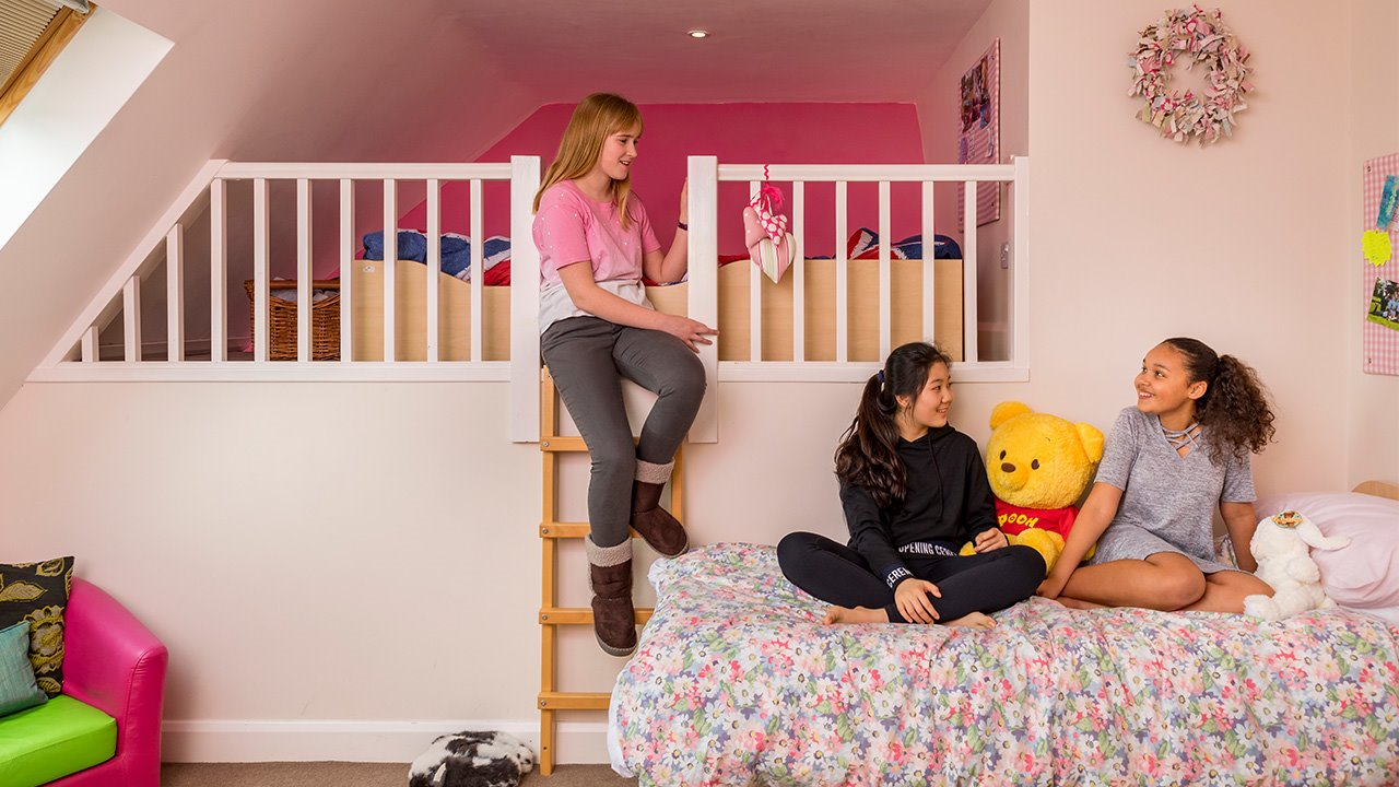 Boarding-at-Handcross-Park-girls-bedroom.jpg